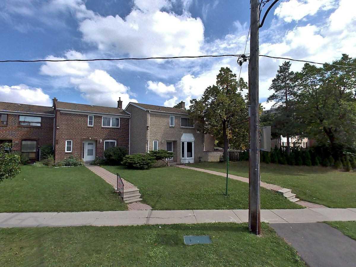 27 Gosford Boulevard Townhouses - 23 Gosford Blvd
